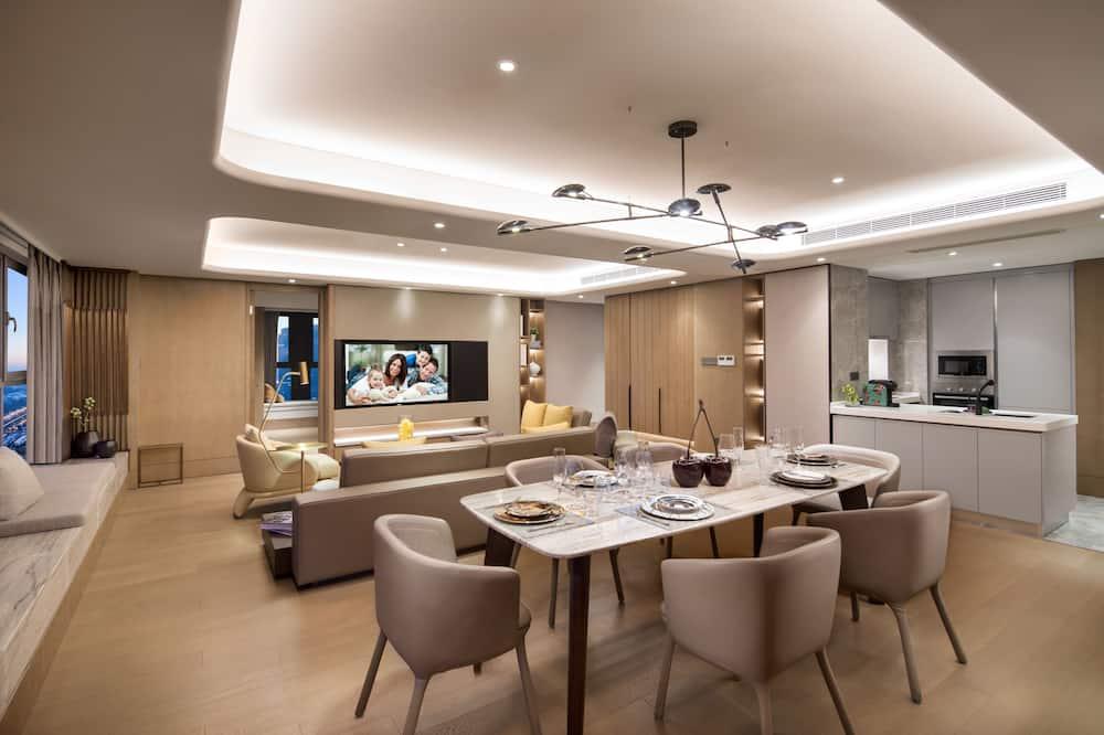 Представительские апартаменты, 3 спальни - Зона гостиной