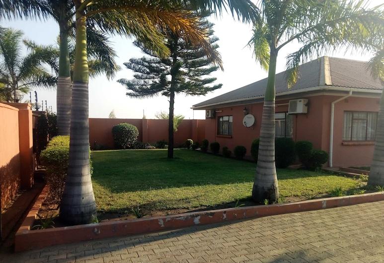 Fallsview Apartments, Livingstone, Giardino
