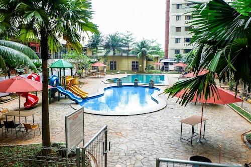 克巴格桑市公寓游泳池景觀開放式公寓飯店/