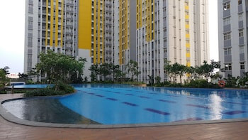 Picture of Comfy 2 Bedroom at The Springlake Apartment in Bekasi