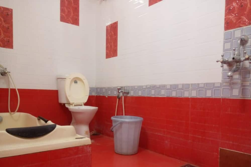 Deluxe-Doppel- oder -Zweibettzimmer - Badezimmer