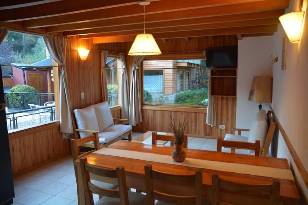 Standard Bungalow - Living Room