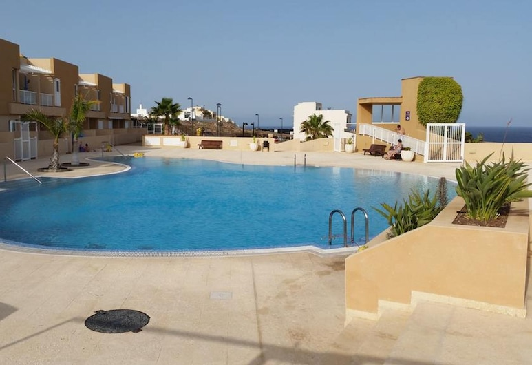 Apartment With 2 Bedrooms in Porís de Abona, With Wonderful sea View, Pool Access, Furnished Terrace, אריקו, בריכה