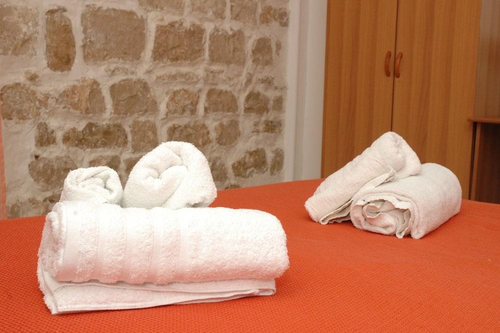 Double or Twin Room, Balcony - Bathroom Amenities