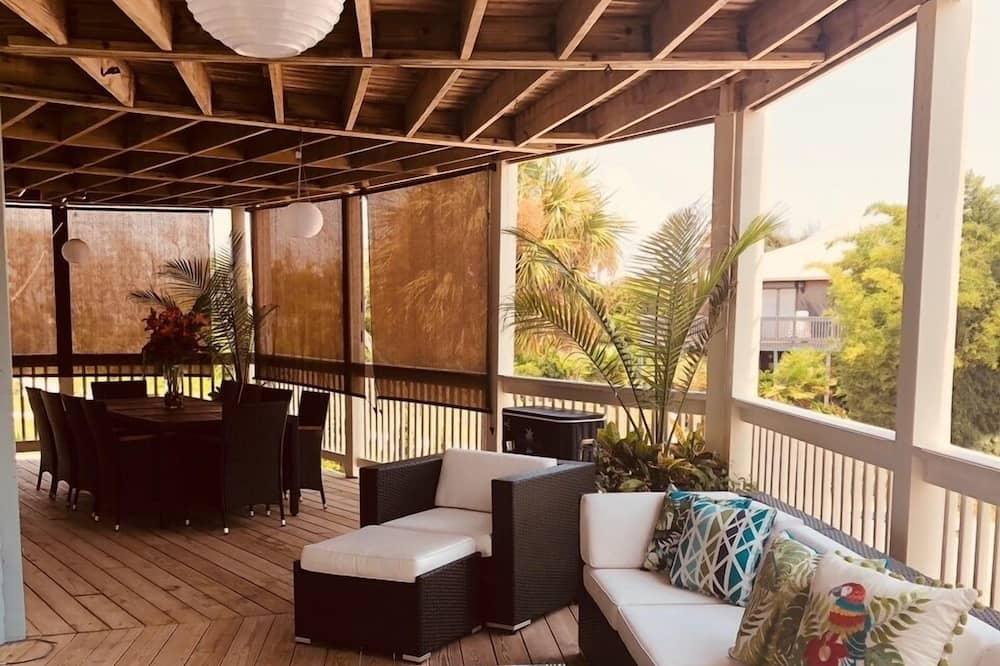 Ferienhaus, Mehrere Betten, Balkon, eingeschränkter Meerblick - Balkon