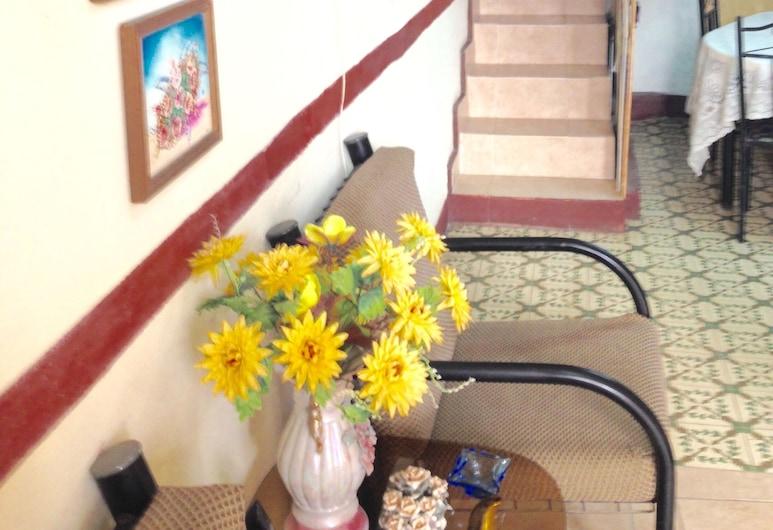 Hostal Maria & Julio, Havana, Triple Room, Living Area