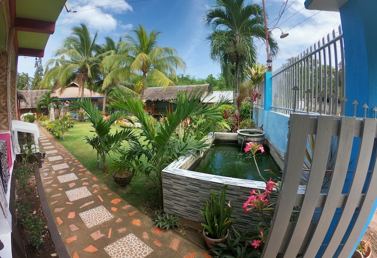 Bohol Sea Breeze Cottages & Resort, Panglao, Garden
