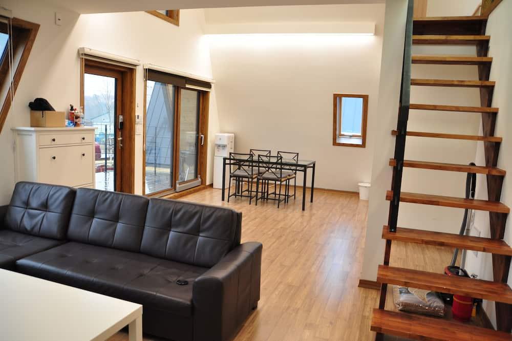 Premium Cabin, 3 Bedrooms - Living Area