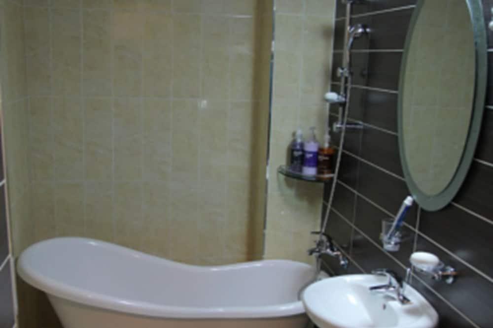 Tradicinio tipo kambarys (5 ~ 7 Persons) - Vonios kambarys