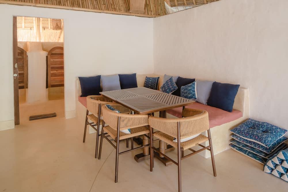Family Villa, 2 Bedrooms - In-Room Dining