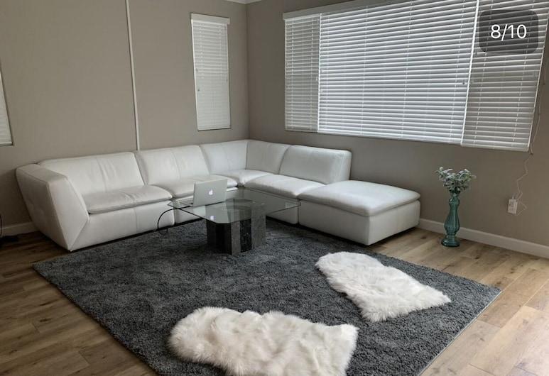 DC Crashpad, Daly City, Dormitorio compartido básico, Sala de estar