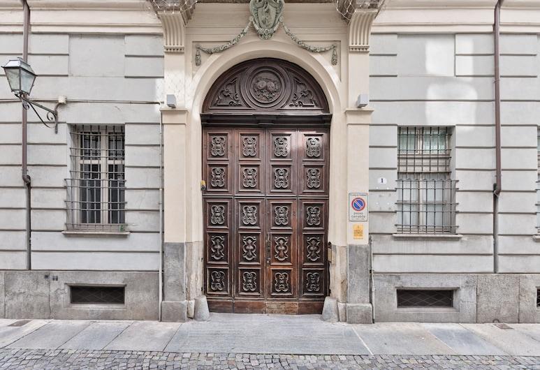 Palazzo Capris Exclusive Duplex, Турін, Вхід до помешкання