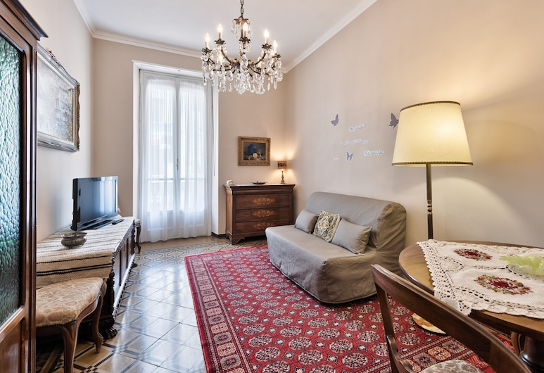 Vintage Flat Crocetta, Turin