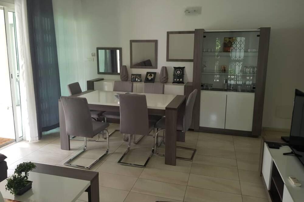 Lägenhet City - 2 sovrum - Matservice på rummet