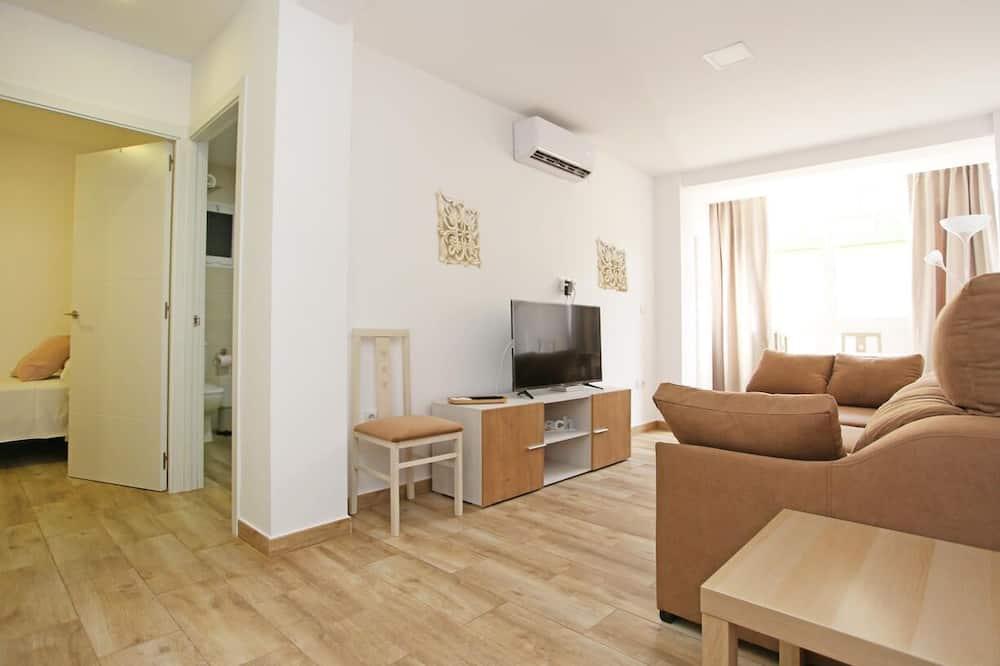 Apartment, 3 Bedrooms, Balcony, Sea View - Living Room