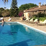 House With one Bedroom in Llubí, With Wonderful Mountain View, Shared Pool, Enclosed Garden - 15 km From the Beach