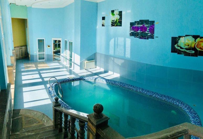 Pamir Hotel, Tashkent, Beltéri medence