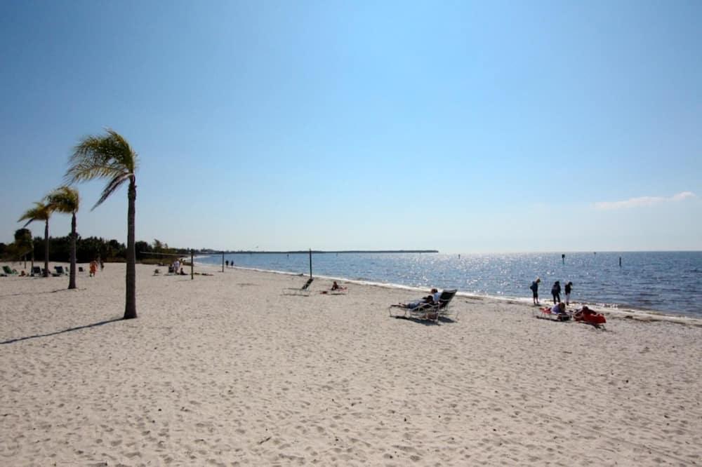 House, Multiple Beds (437 Little Harbor) - Beach