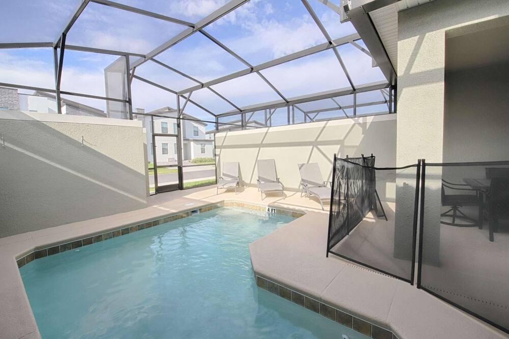 House, Multiple Beds (4815 Storey Lake) - Pool