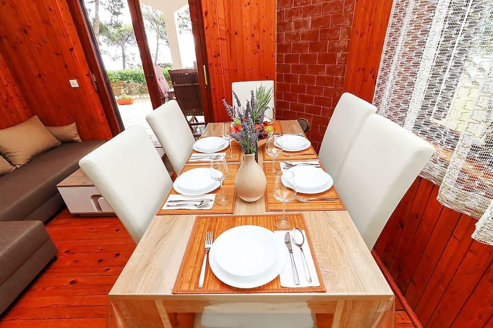 Departamento familiar, 2 habitaciones, vista al mar - Servicio de comidas en la habitación