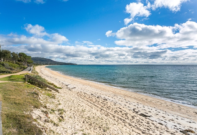 Foreshore Beach House ideal family spot, Dromana, Strand
