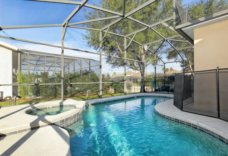 Modest & Comfortable Gated Home w/ Pool, Haines City, Pool