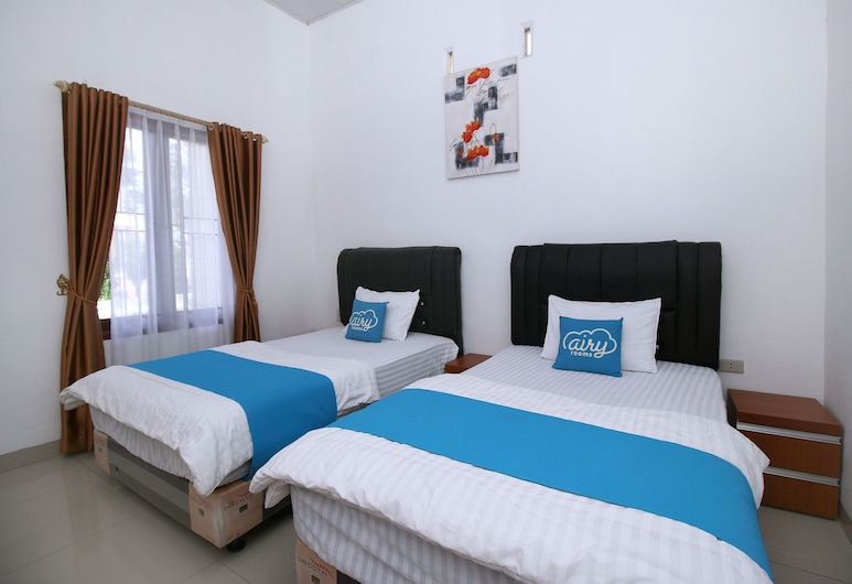 Airy Balige Tarutung 77 Silangit, Hutagodang, Deluxe Twin Room, Guest Room