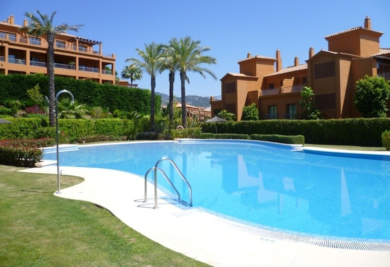 Penthouse With Private Pool, Estepona