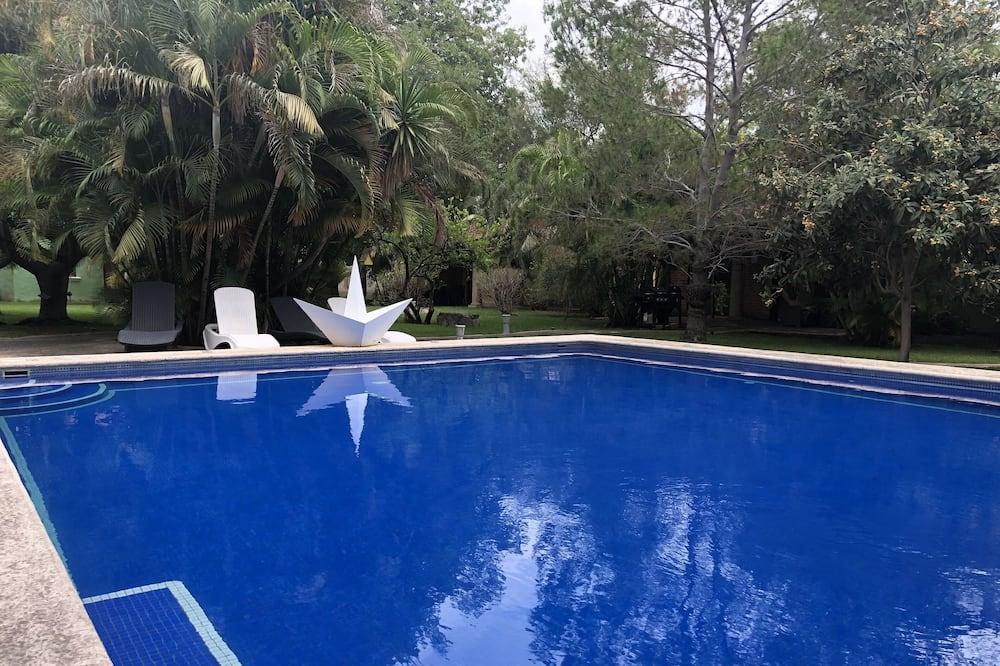 Design Cabin - Pool