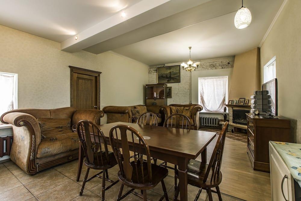 Design Room - Living Room