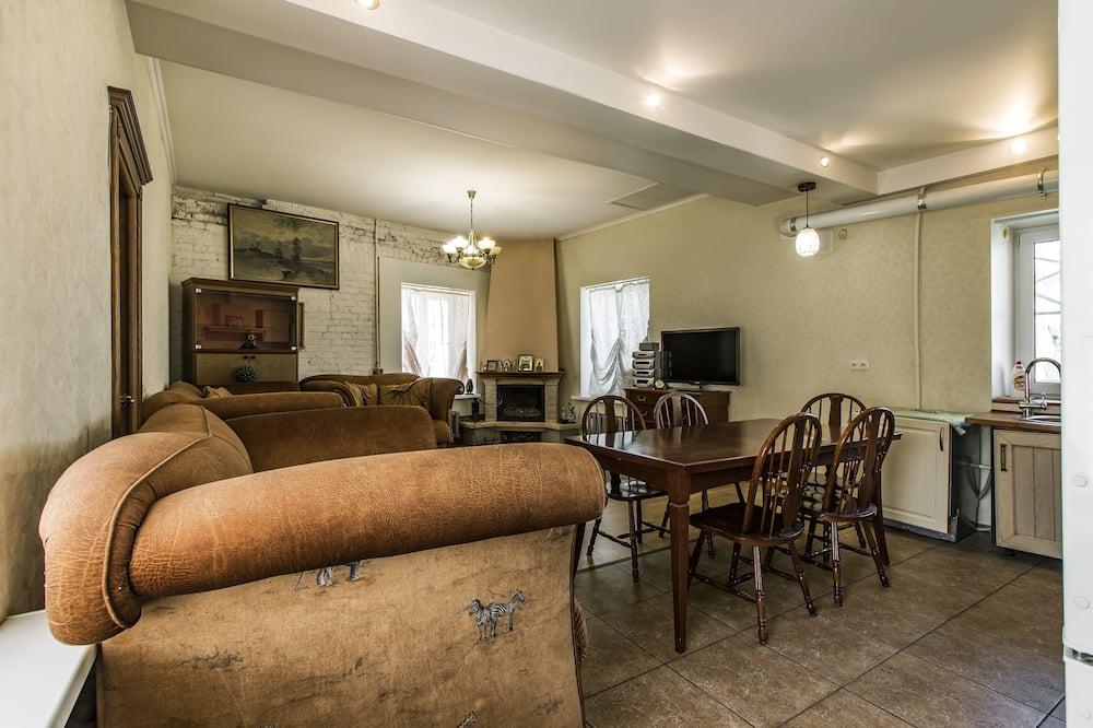 Design Room - Living Area