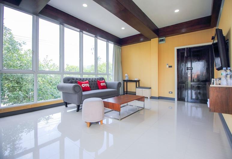 OYO 387 Little Bangbon, Bangkok, Suite, Living Area