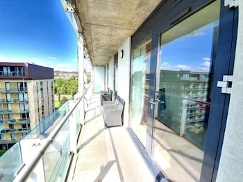 Picture of Airy 2 Bed 2 Bathroom With Balcony in Glasgow