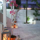 Номер-люкс категорії «Джуніор», з видом на сад - Тераса/внутрішній дворик
