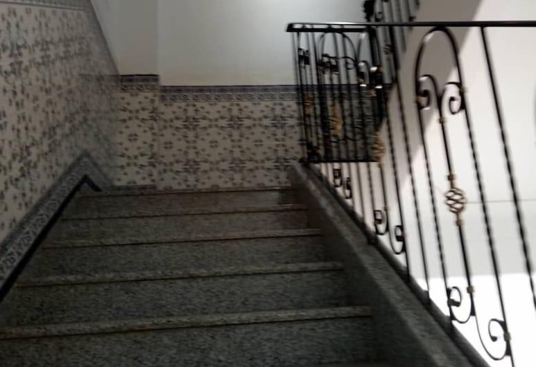 Nazel El Yassamine, Alger, Escalier