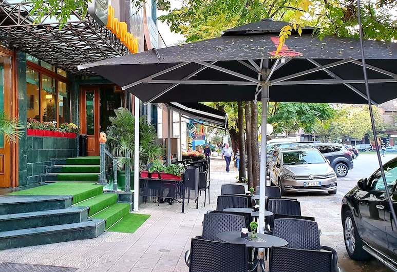 Nov Hotel, Tirana, Terrasse/Patio