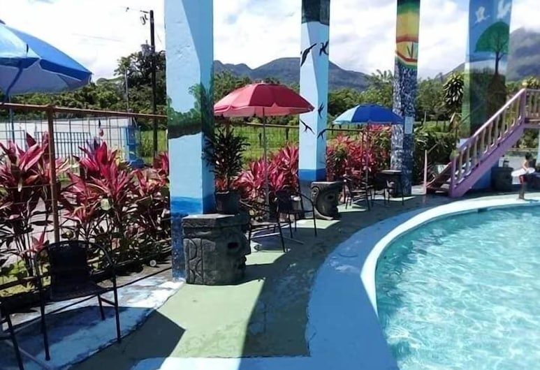 Palacios Arenal - Hostel, La Fortuna, Ulkouima-allas