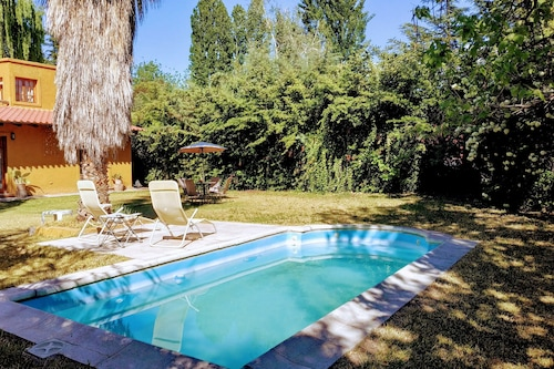 アルゼンチン、メンドーサのチャクラスデコリアの家、大規模、庭とプールあり/