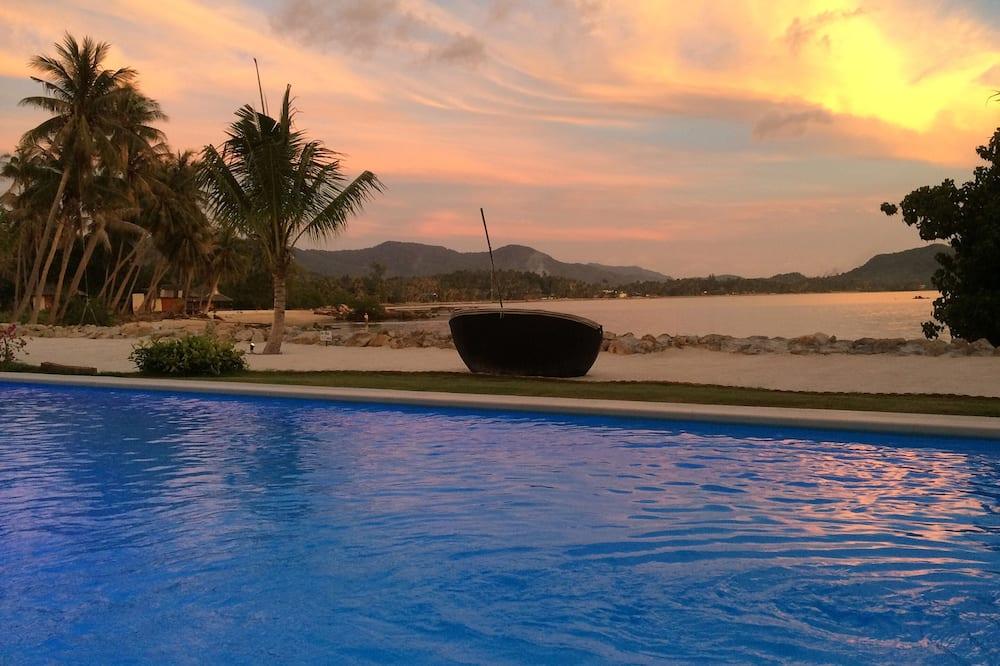 Luxury Beachfront Pool Villa - Private pool