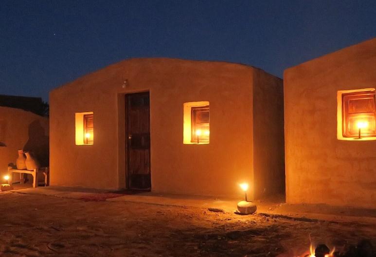 L'Oasis Berbère, M'Hamid El Ghizlane, Traditional tuba (Acacia), Terrass
