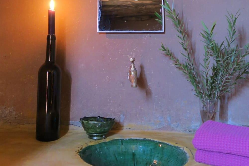 Phòng truyền thống (Acacia) - Phòng tắm