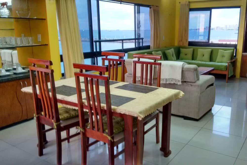 Flat With 270 ° Overlooking the sea and the Historic Center in Iracema Beach, Fortaleza
