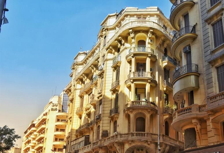 Columbia Hotel, Cairo, חזית המלון