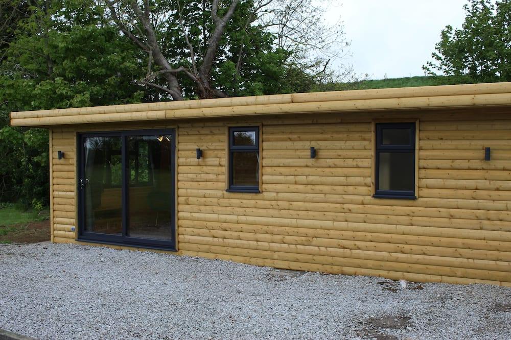 Deluxe Cabin - Living Area
