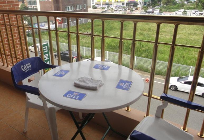 Naksan Crova Condotel, Yangyang, Double Room, Balcony
