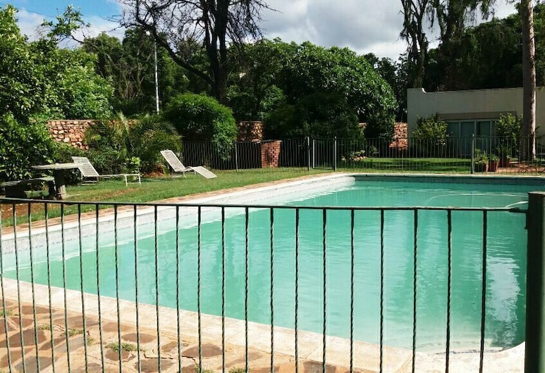 Sondela Guest House, Булавайо, Открытый бассейн