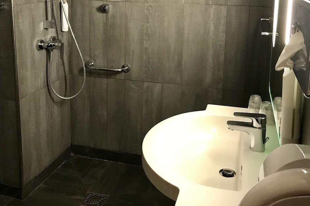 Тримісний номер, обладнано для інвалідів - Ванна кімната