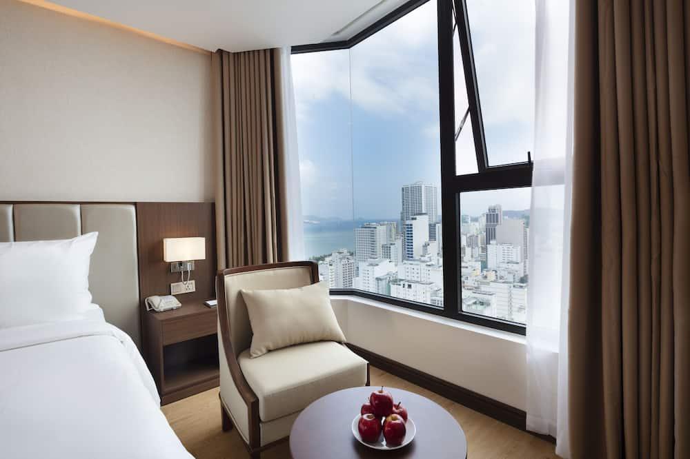 Family Room, Partial Sea View - Beach/Ocean View