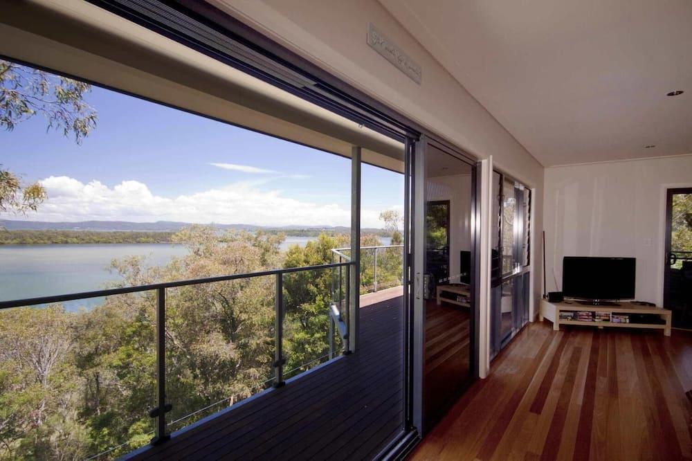 Room - Balcony