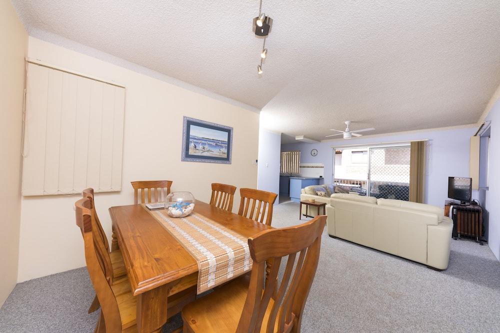 Room - In-Room Dining